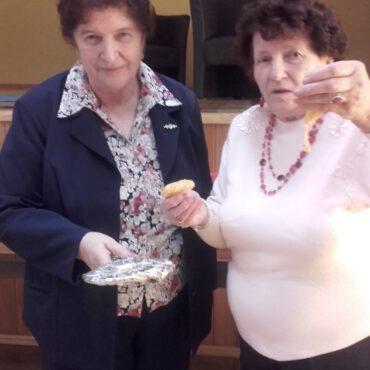 Wieczór wróżb andrzejkowych w Klubie Seniora `Promyk`
