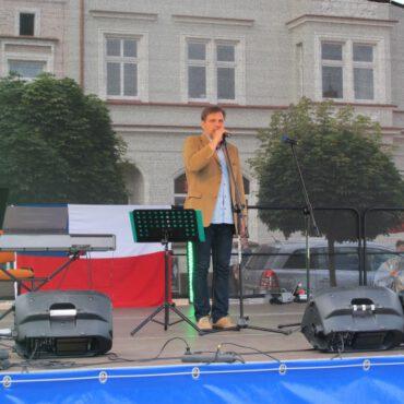 Gwiazdy zaśpiewały na rynku w Tucholi
