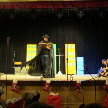 Teatr Nic Wspólnego wystąpił podczas Czarodziejskiego Kramiku Świętego Mikołaja