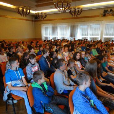 Dzieci wzięły udział w kolejnej audycji muzycznej pt. `Muzyka i Wakacje`