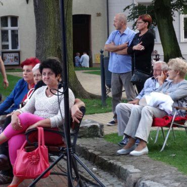 `Tyle słońca w całym mieście` i inne przeboje rozbrzmiały na tucholskim rynku