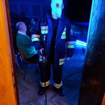 Terroryzm 2.0 poruszył tucholską publiczność – foto i film
