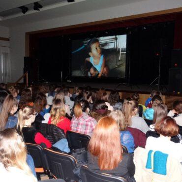 Tucholska publiczność zobaczyła `Szare anioły`