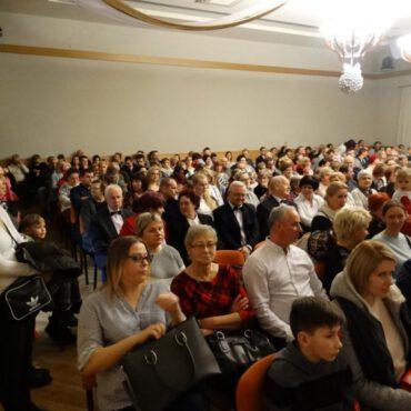 Fotorelacja z koncertu kolęd pt. `Magiczny kolęd czas`