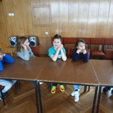 Piórka, cyrk i wycinanki – trzeci dzień `Zimy z Pegazem`