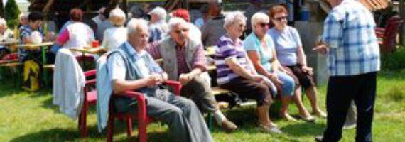 Seniorzy odpoczywali w Wymysłowie