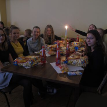 Fotorelacja z imprezy dla dzieci pt. `Andrzejkowe czary-mary` w Raciążu