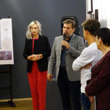 """Fotorelacja z wernisażu wystawy pt. """"Ks. ppłk Wrycza – życiorys patrioty i duszpasterza"""""""