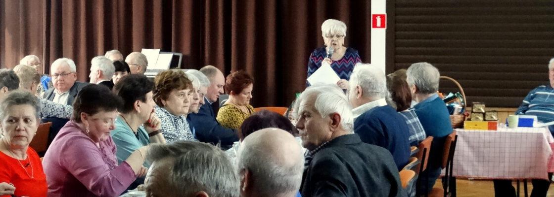 """Uroczyste spotkanie z okazji Dnia Kobiet i Mężczyzn w Klubie Seniora """"Jesień"""""""