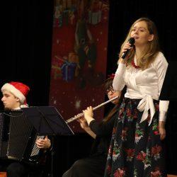 """""""Świąteczne Melodie"""" dla Seniorów w Tucholskim Ośrodku Kultury"""