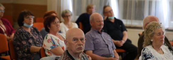 """Klub Seniora: Pierwsze letnie spotkanie """"Jesieni"""""""