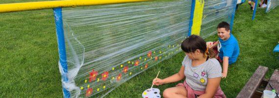 Letnie prace z plenerowych zajęć plastycznych